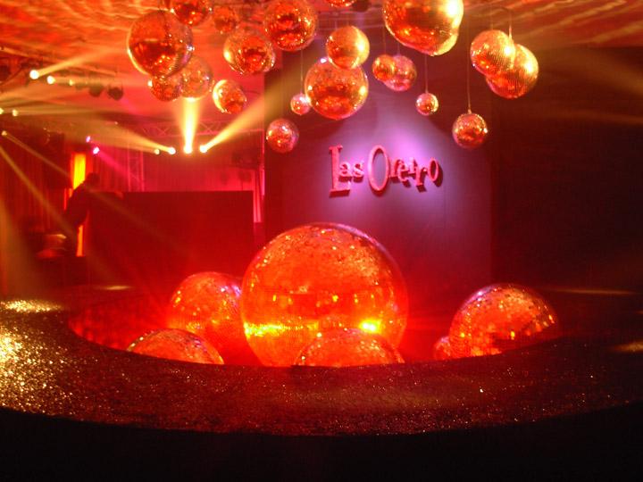 Alquiler de bolas espejadas for Alquiler parque de bolas